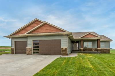 Linn County Single Family Home For Sale: 1412 Foxtrail Dr.