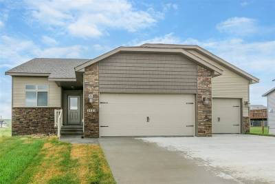 Linn County Single Family Home For Sale: 1413 Bridgewood Dr