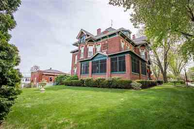 Muscatine County Single Family Home For Sale: 516 W 2nd Street
