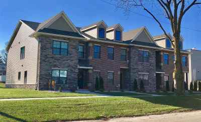 Solon Condo/Townhouse For Sale: 335 E Main St
