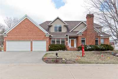 Cedar Rapids Single Family Home New: 120 Indian Creek Ln SE