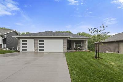 North Liberty Single Family Home For Sale: 1345 E. Tartan Drive