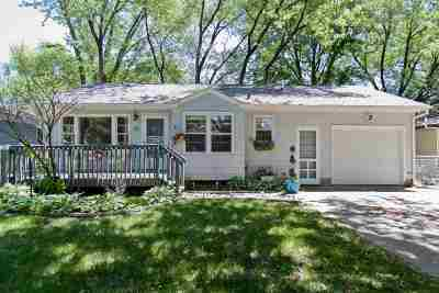 Coralville IA Single Family Home For Sale: $169,000