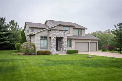 Muscatine County Single Family Home For Sale: 2737 Oak Dr