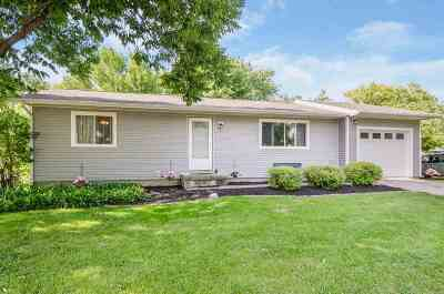 North Liberty Single Family Home For Sale: 20 Hackberry St