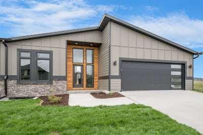 Iowa City IA Condo/Townhouse For Sale: $319,900