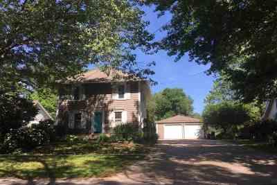 Iowa City IA Single Family Home For Sale: $275,000