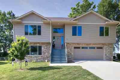 North Liberty IA Single Family Home New: $275,000