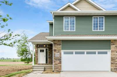 North Liberty Condo/Townhouse For Sale: 1130 Mary Ln