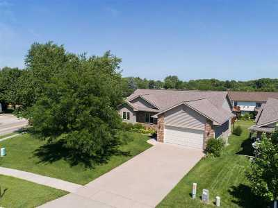 Coralville Single Family Home For Sale: 2 Ambrose Ct