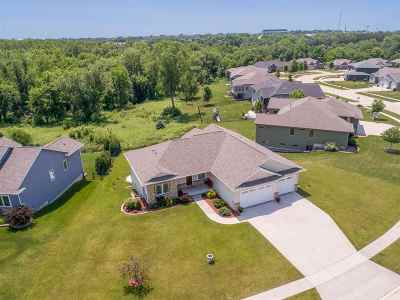 Coralville Single Family Home For Sale: 2445 Dempster Dr