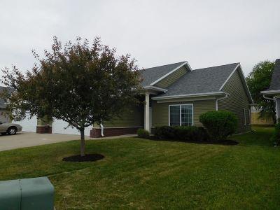 Iowa City Condo/Townhouse For Sale: 2672 Blazing Star