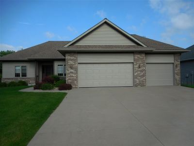 Coralville Single Family Home For Sale: 2230 Pembrokeshire #5th Stre