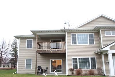 Iowa City Single Family Home For Sale: 2953 Heinz Rd #7