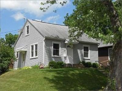 Iowa City IA Single Family Home New: $220,000
