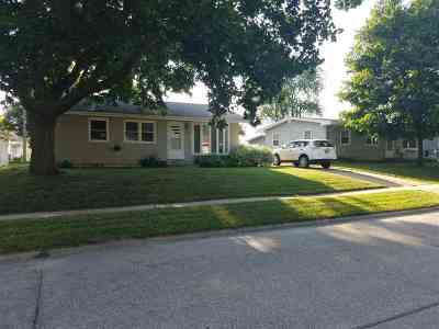 Marion Single Family Home For Sale: 120 School St
