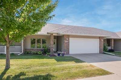 Iowa City Condo/Townhouse For Sale: 1623 Clifford Ln