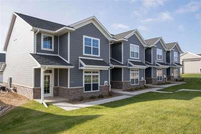 Iowa City IA Condo/Townhouse For Sale: $230,900