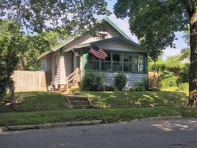 Cedar Rapids Single Family Home New: 849 Center Point Rd NE