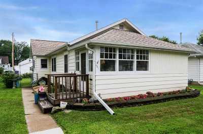 Cedar Rapids Single Family Home For Sale: 651 21st Ave. SW