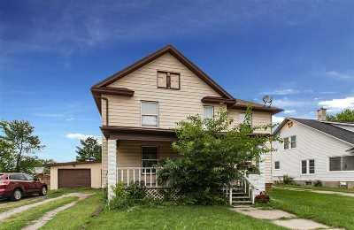 Keokuk County Single Family Home Contingent: 206 N Davis St