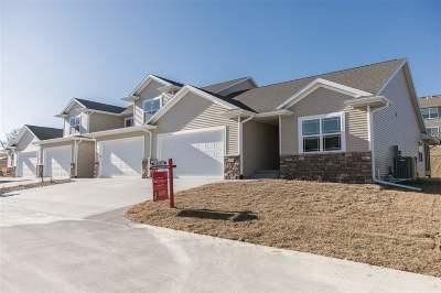 Cedar Rapids Condo/Townhouse For Sale: 3505 Pioneer Ave SE
