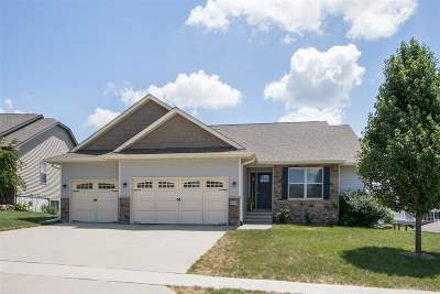 Iowa City Single Family Home For Sale: 1464 Dunley Ct.