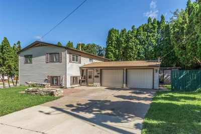 Cedar Rapids Single Family Home For Sale: 1372 NE J Avenue