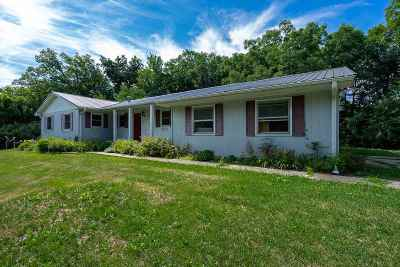 Louisa County Single Family Home For Sale: 1161 Oakview Dr