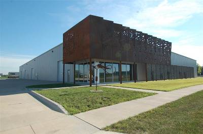 North Liberty Commercial For Sale: 2910 Stoner Ct #Ste 9