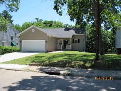 Cedar Rapids Single Family Home For Sale: 301 28th Street Dr SE