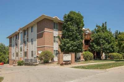 Iowa City IA Condo/Townhouse For Sale: $165,000