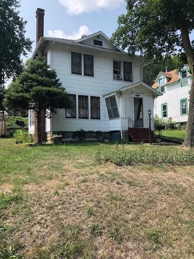 Louisa County Single Family Home For Sale: 422 Main St