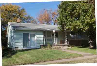 Lone Tree IA Single Family Home New: $189,000