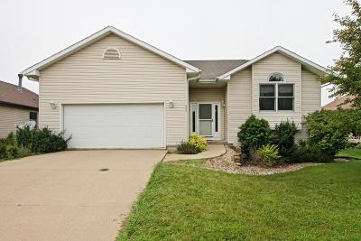 Cedar Rapids Single Family Home For Sale: 804 Ashford Dr NE