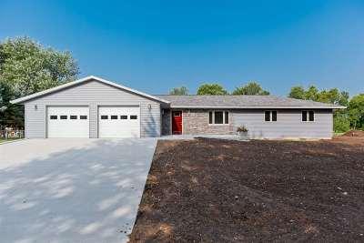 Iowa County Single Family Home For Sale: 453 Ryan Ave