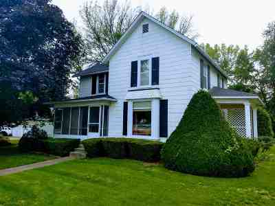 Kalona Single Family Home For Sale: 411 5th St
