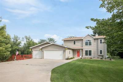 Iowa City IA Single Family Home For Sale: $469,000