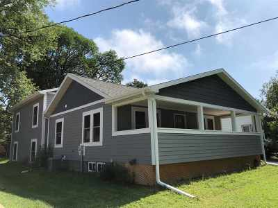 Iowa City Single Family Home For Sale: 1630 Wilson St