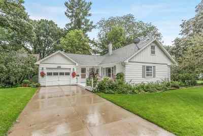 Cedar Rapids Single Family Home For Sale: 437 Liberty Dr SE