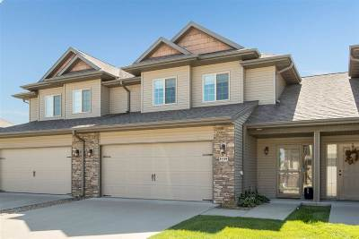 North Liberty Condo/Townhouse For Sale: 1459 Marilyn Dr