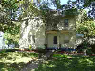 Iowa County Single Family Home For Sale: 204 W Walnut Street