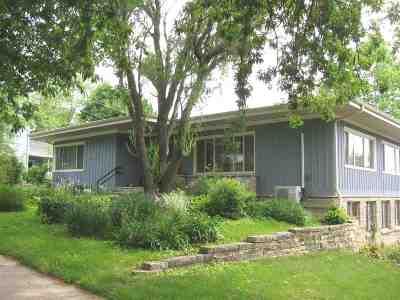 Cedar County Single Family Home For Sale: 209 N Downey