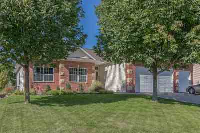 Coralville Single Family Home For Sale: 865 Forest Edge Lane