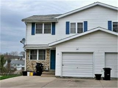 Coralville Condo/Townhouse For Sale: 2129 10th Street Pl