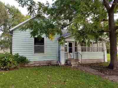 Keokuk County Single Family Home For Sale: 111 N Ellis Street