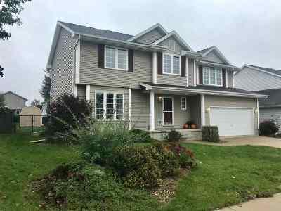 Cedar Rapids Single Family Home For Sale: 712 71st Street NE
