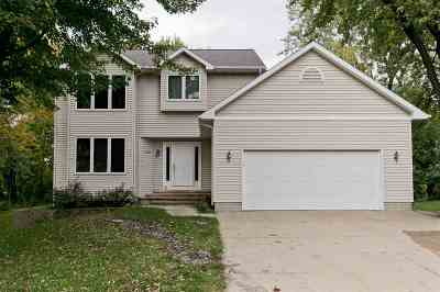 Hiawatha Single Family Home For Sale: 2098 Litchfield Dr