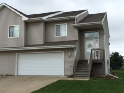 North Liberty Condo/Townhouse For Sale: 1377 Logan Court
