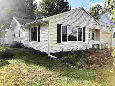 Cedar Rapids Single Family Home For Sale: 1603 Maplewood Dr NE